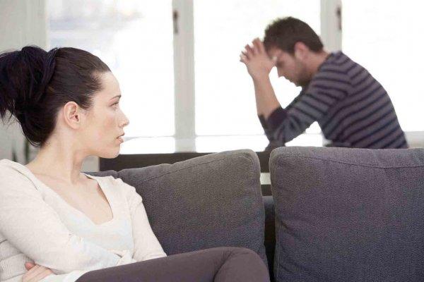 Ученые: Потеря работы у мужчин может привести к разводу