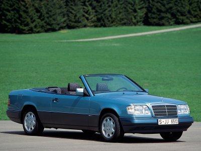 Автомобиль Mercedes-Benz E-Class W124 Cabriolet отмечает 25-й день рождения