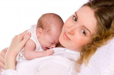 Ученые: Язык матерей влияет на мелодию первого крика ребенка