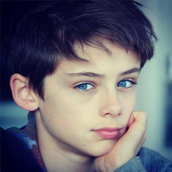 Юзеры социальных сетей признали 12-летнего ребенка самым красивым вмире