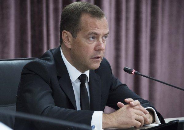 Медведев считает допинговые расследования проявлением антироссийской политики