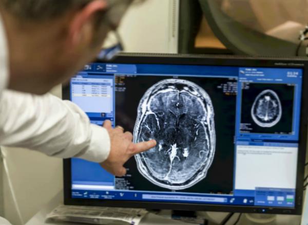 Нейрохирурги из США впервые вывели пациента из коматозного состояния ультразвуком
