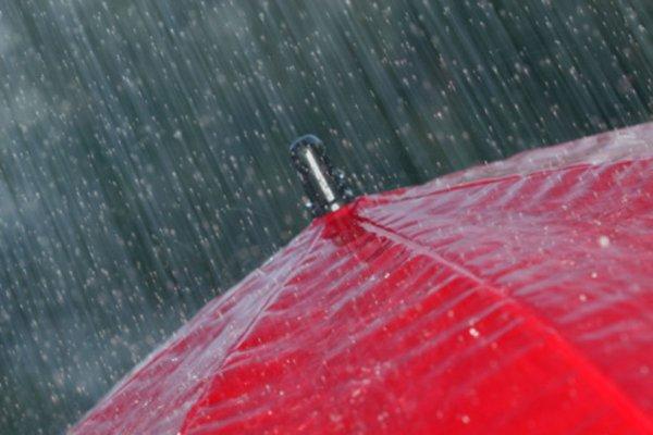 Ученые раскрыли тайну испортивших лето дождей