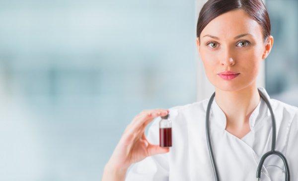 Ученые: Витамин С может увеличить эффективность лечения острого миелоидного лейкоза