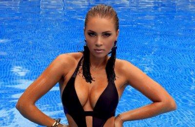 Жена Дмитрия  Диброва продемонстрировала свои формы во время откровенной фотосессии