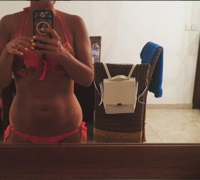 Елена Ваенга показала снимок в купальнике