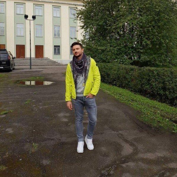 Сергей Лазарев удивил подписчиков ярким образом