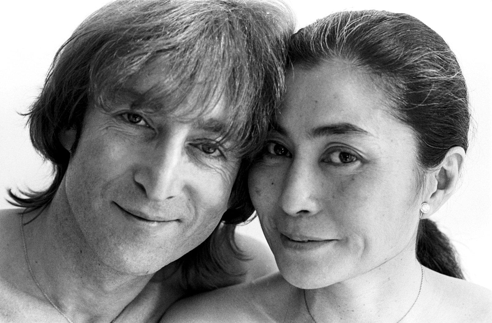 семейная мать джон леннон фото с женой можно