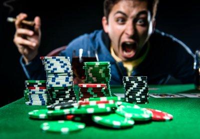 Ученые: Азартные игроки склонны к проявлению агрессии