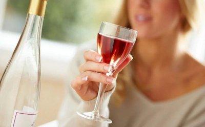 Ученые: Женщины более мужчин подвержены алкогольной болезни печени