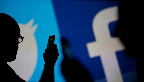 Facebook и Twitter присоединились к работе СМИ