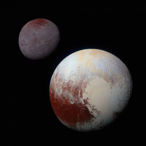 Ученые выяснили, как на спутнике Плутона появилось красное пятно