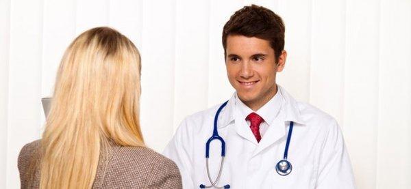 Ученые: Поставщики медицинских услуг предвзято относятся к бисексуальным девушкам