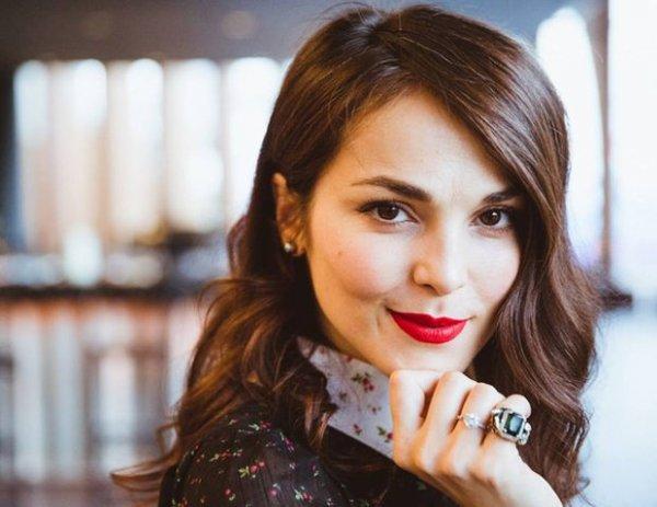 Сати Казанова отсудила у интернет-магазина 70 тыс. рублей