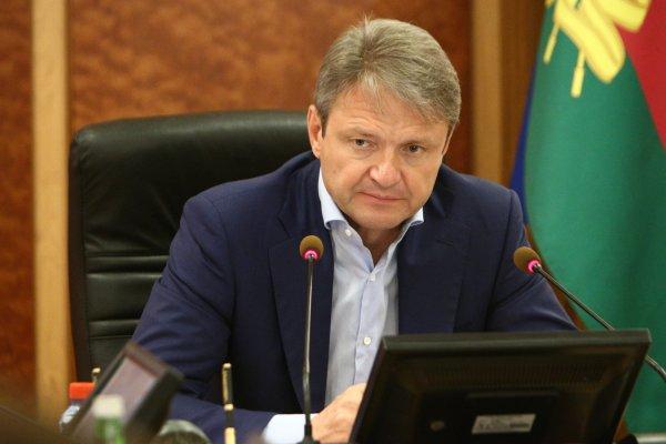 Глава Минсельхоза РФ выступил за продление западных санкций на пять лет