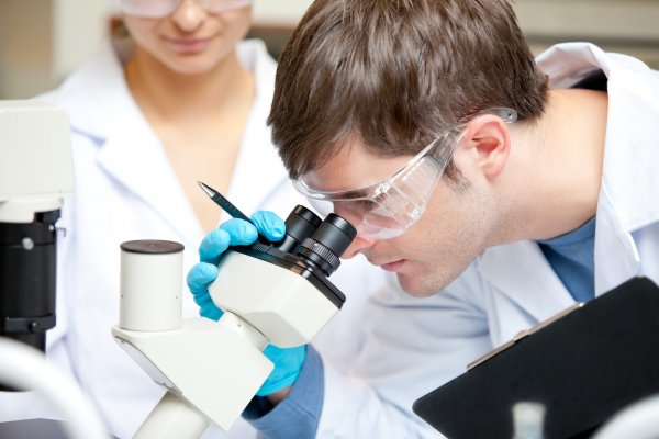 Российские ученые создали лазер, определяющий структуру белков