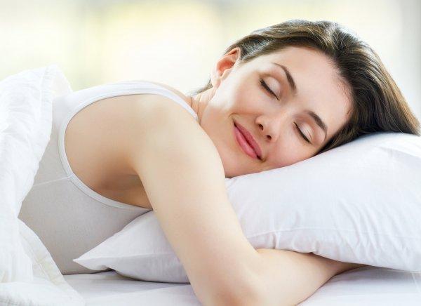 Ученые рассказали как похудеть во сне