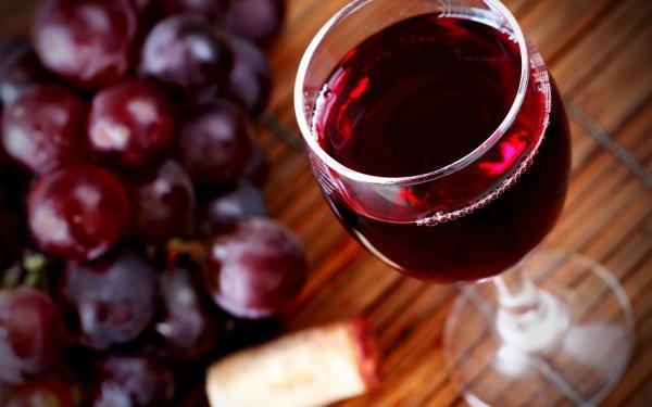 Ученые: Красное вино помогает справиться с астмой