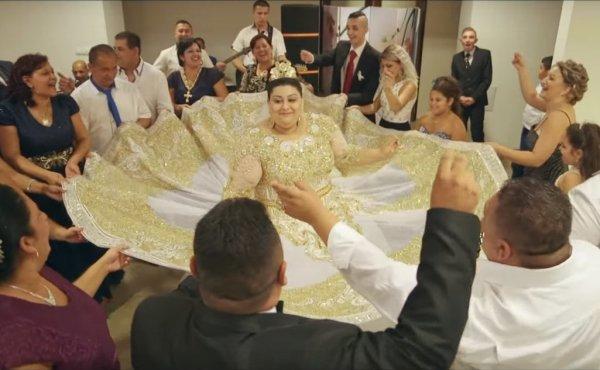 Видео шикарной цыганской свадьбы стало хитом интернета