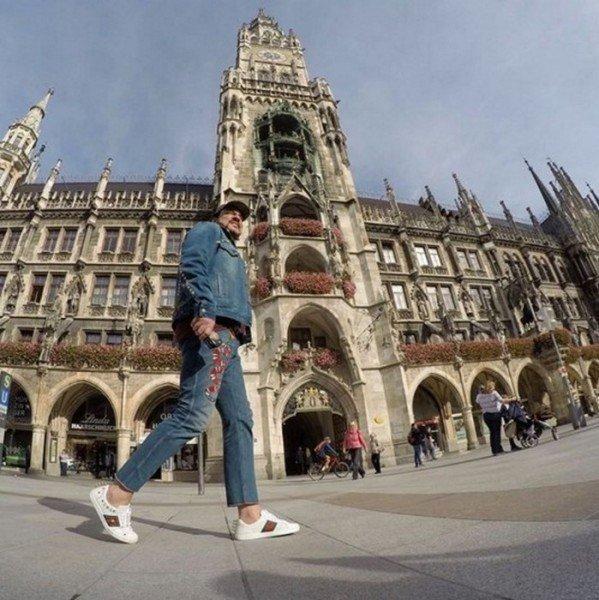 Филипп Киркоров опубликовал в Instagram стильное ото из Мюнхена
