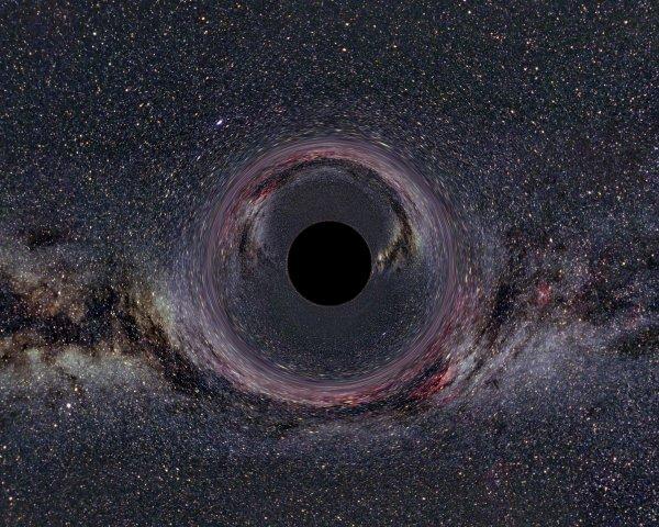 Ученые обнаружили первую «блуждающую» черную дыру