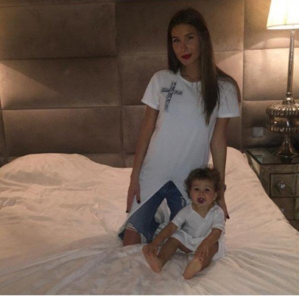 Кэти Топурия показала фото подросшей дочери