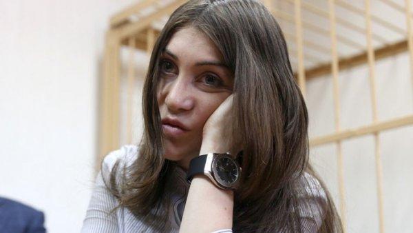 Мара Багдасарян опубликовала ещё одно видео с крайне опасным дрифтом