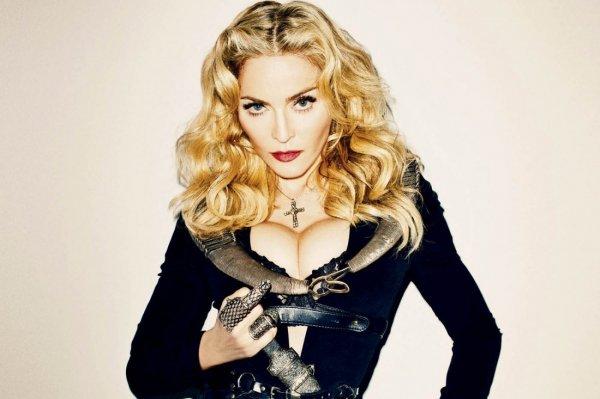 "Журнал Billboard назвал Мадонну ""Женщиной года"""