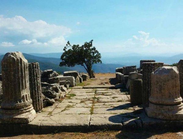 В Турции обнаружена усыпальница возрастом 2400 лет