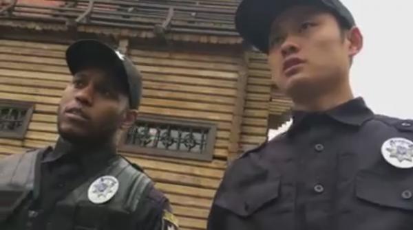 В Сети набирает популярность видео с киевскими полицейскими