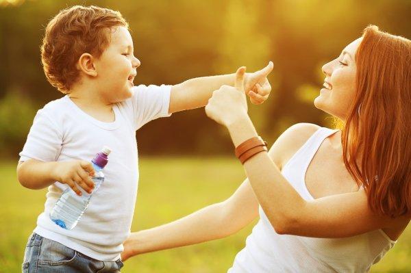 Ученые: Посты родителей о новорожденных в соцсетях опасны для детей