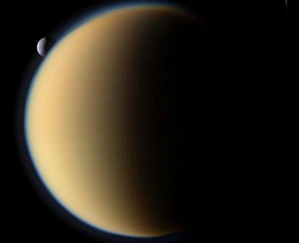 Учёные NASA впервые увидели наступление зимы на Титане