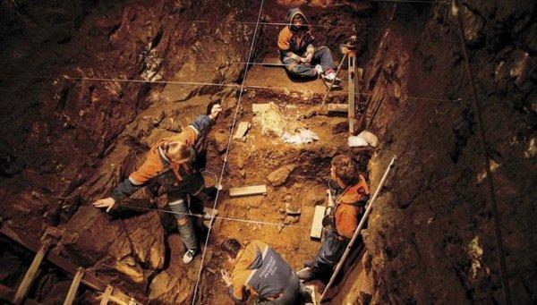 На Алтае обнаружили следы присутствия древнего портного «денисовца»