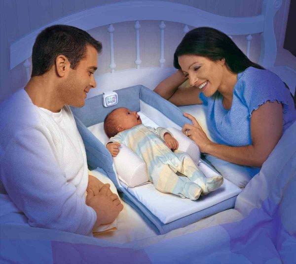 В первый год жизни ребенок должен спать в комнате родителей - ученые