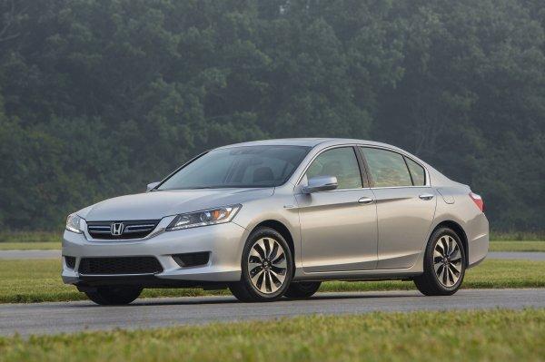 Honda назвала цены Accord Hybrid 2016 в Индии
