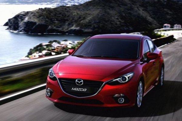 Компания Mazda сообщила о снижении стоимости модели Mazda 3