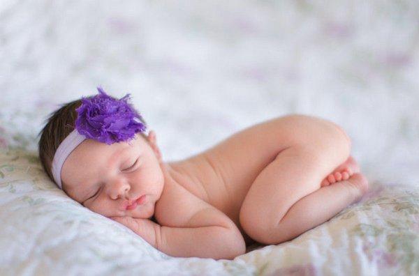 Новорожденные девочки лучше справляются со стрессом