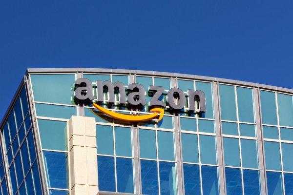 Amazon планирует стать крупнейшим продавцом одежды в США