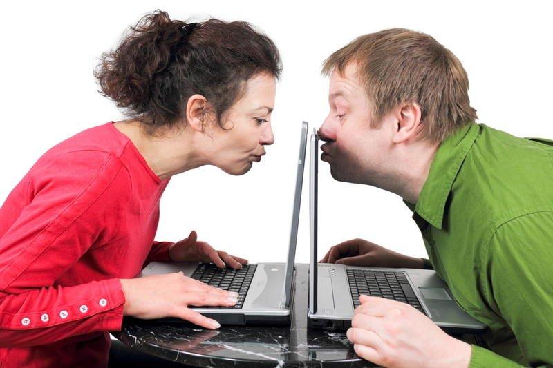 при знакомстве в интернете чего опасаться