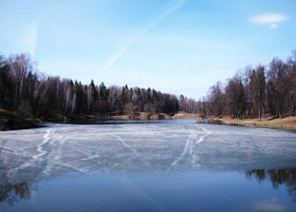 Житель Оренбургской области окунулся в ледяную воду ради iPhone 7