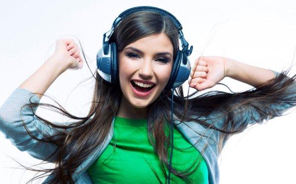 """Ученые выяснили, почему некоторые песни """"застревают"""" у людей в голове"""