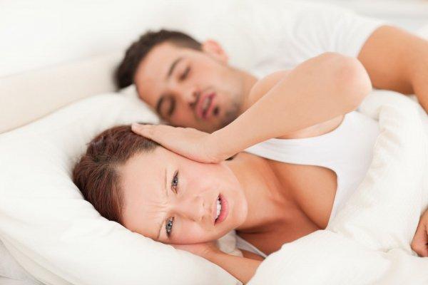 Ученые выяснили почему чаще всего супруги спят раздельно