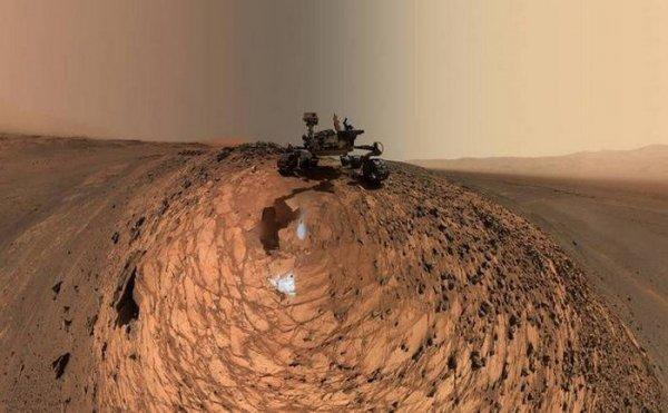 Уфологи нашли на новом снимке марсохода Curiosity каменное кресло