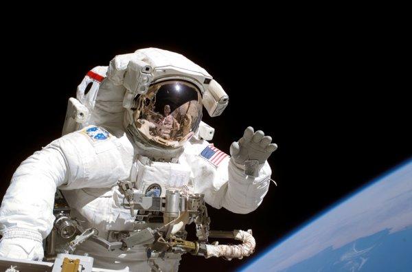 Ученые рассказали об эволюции скафандра со времен первого полета в космос