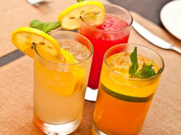 Ученые рассказали, какой напиток эффективнее всего справляется с жаждой