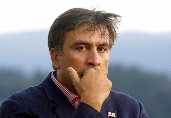 Одесса проводила Саакашвили вином и шашлыками