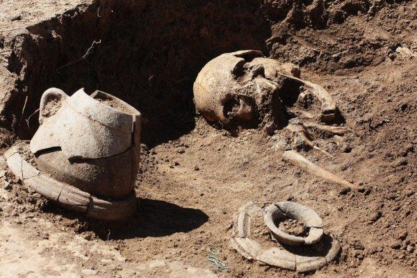 Археологи в Казахстане обнаружили останки древнего человека