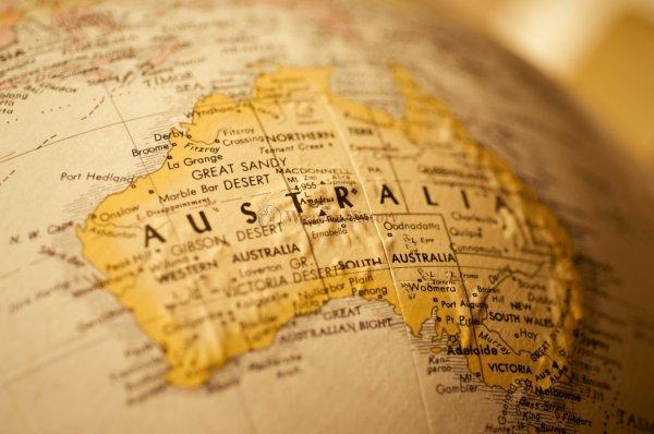 Ученые: Австралия ежегодно смещается на несколько миллиметров