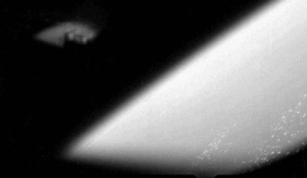 Уфолог обнаружил неопознанный летающий объект на снимке Меркурия
