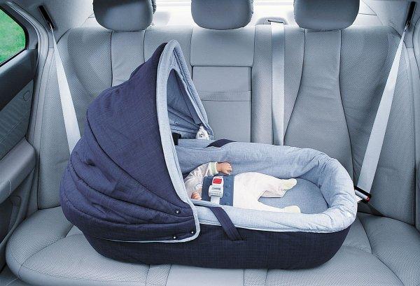 Учёные: Младенцы могут чувствовать удушье из-за длительного нахождения в машине
